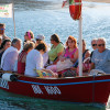 Barca con turisti